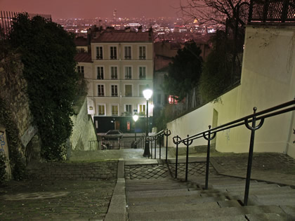 Paris (Francia) - Tðica calle deMontmartre