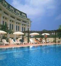 Hotel Hilton Hanoi, Vietnam - piscinaexterior