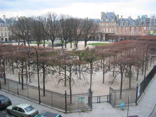 Paris (Francia) - Place des Vosges, Plaza de losVosgos