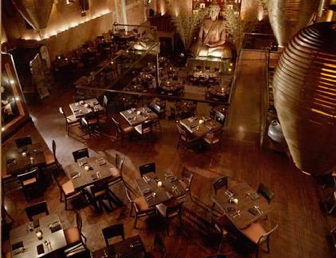 Restaurante Tao NY - Estatua del BuddhaGigante