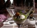 Mousse de Coliflor con Berberecho, Aceite de Albahaca y Vinagreta de Café