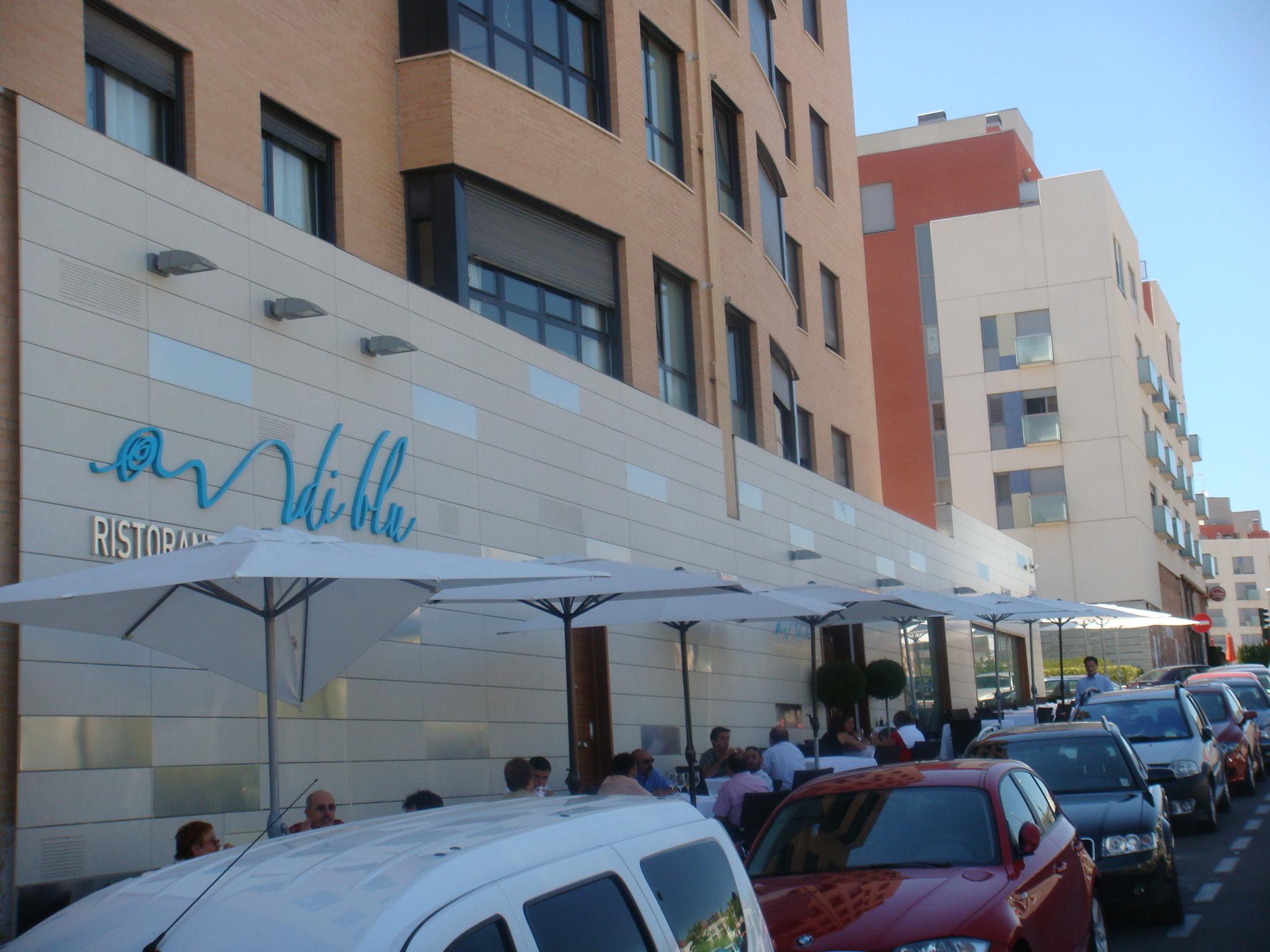 Vista de la entrada del Restaurante Di Blu . Las Tablas Madrid
