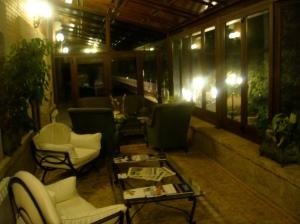 Salón del hotel habilitado para fumadores