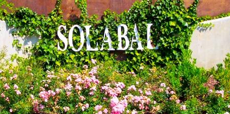 Bodegas Solabal - Letrero